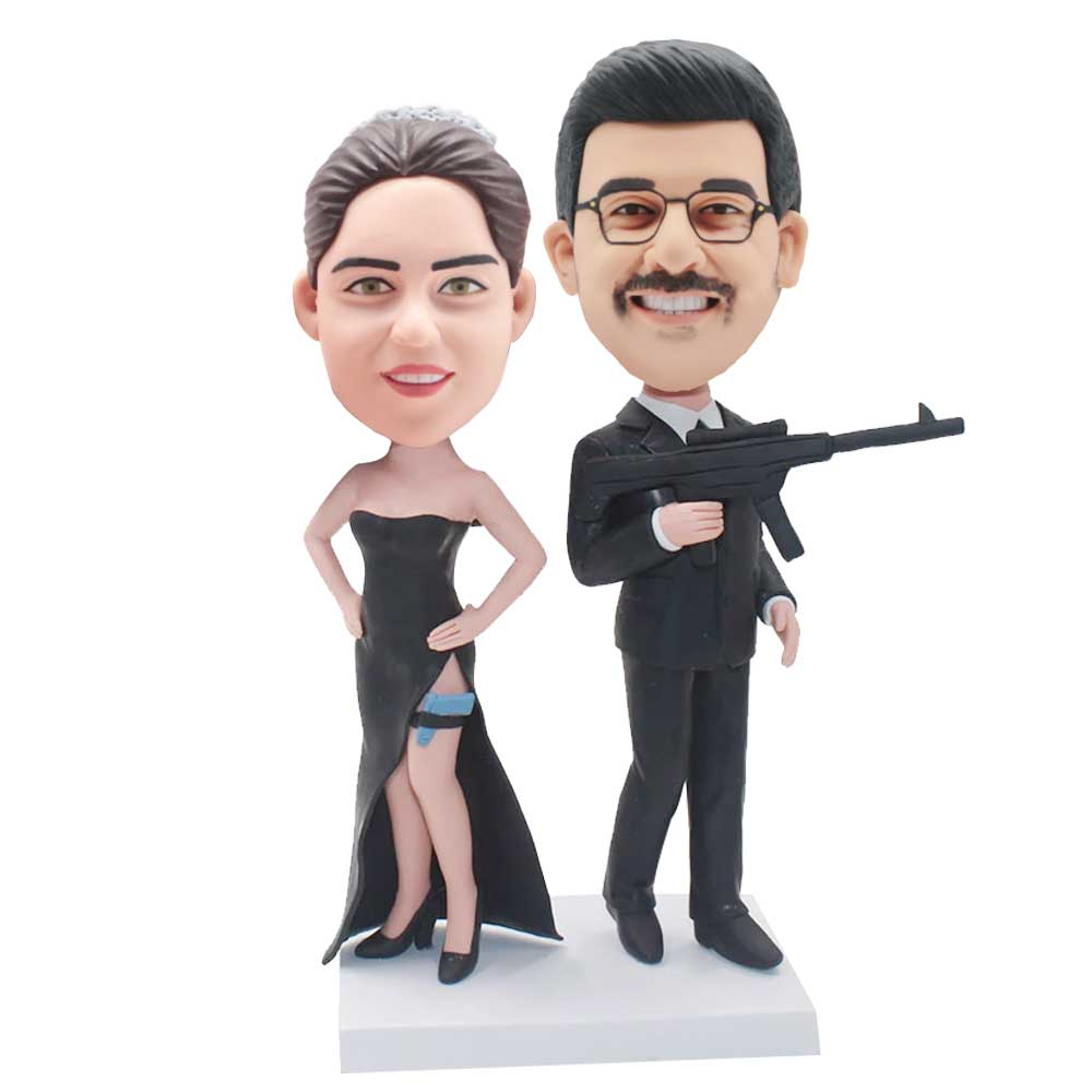 Custom-Fbi-Agent-Couple-Bobblehead-In-Black-uniform-And-Holding-A-Gun