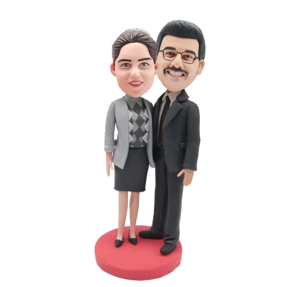 Custom-Hugging-Office-Couple-Bobblehead-Wearing-Business-Suit