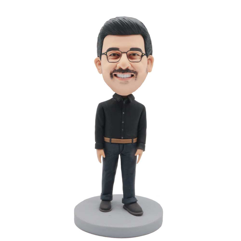 Custom-Clever-Male-Leisure-Bobblehead-In-Black-Shirt