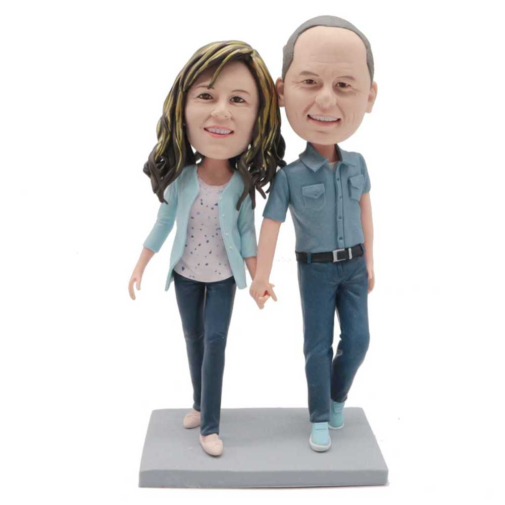 Custom-Couple-Bobblehead-Walking-Together-Hand-In-Hand