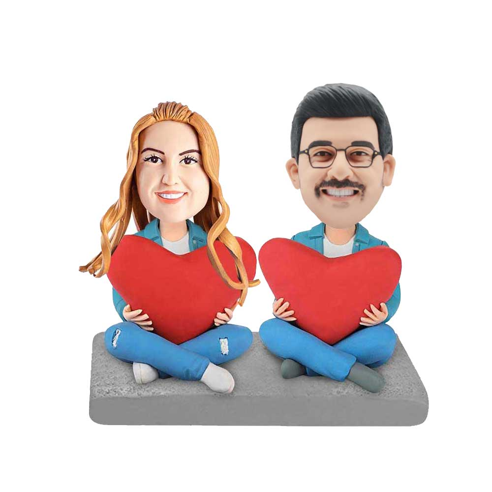 Custom-Cowboy-Suit-Couple-Bobblehead-Holding-Heart-shaped-Pillows