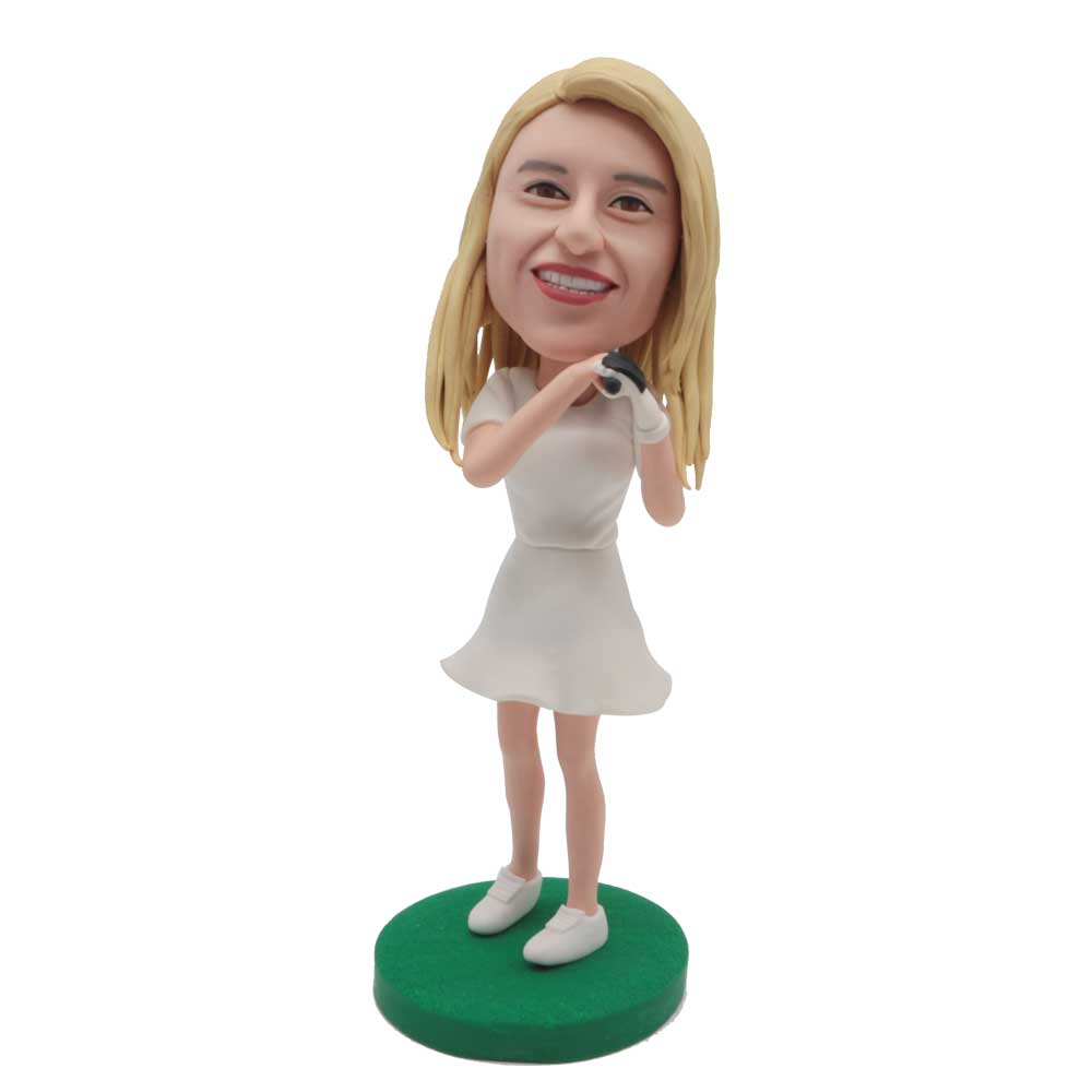 Custom-Female-Golfer-Bobblehead-In-White-Dress-Suit.