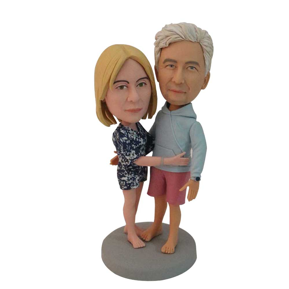 Custom-Lovingly-Hugging-Couple-Bobblehead