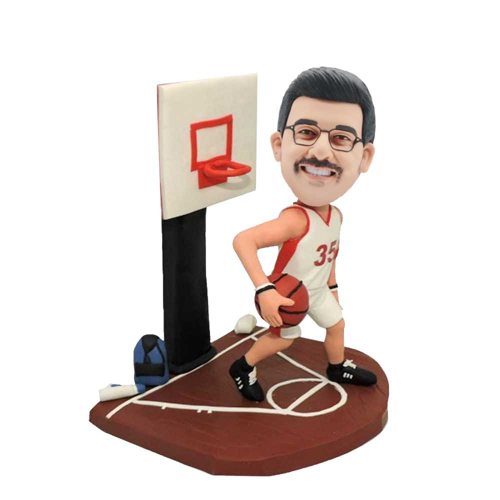 Custom-Male-Basketball-Player-Bobblehead-Playing-Basketball
