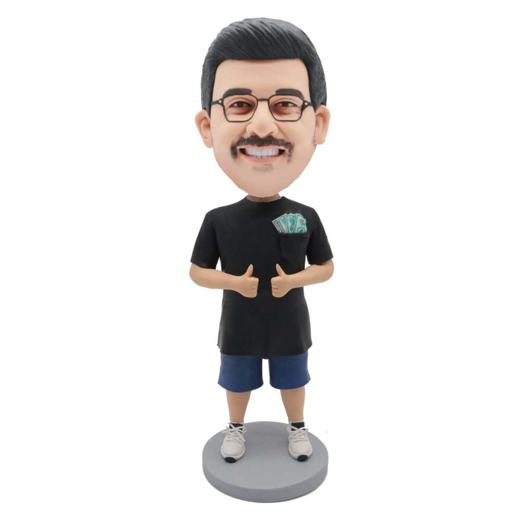 Custom-Male-Leisure-Bobblehead-In-A-Big-Black-T-shirt-With-Thumbs-Up.