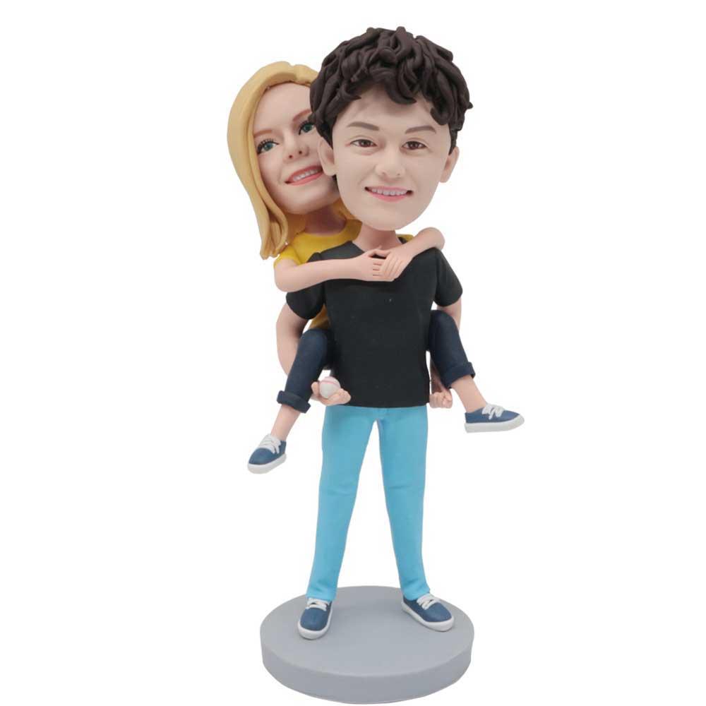 Custom-Sweet-Couple-Bobblehead-Boyfriend-Carrying-Girlfriend-In-Black-Clothes