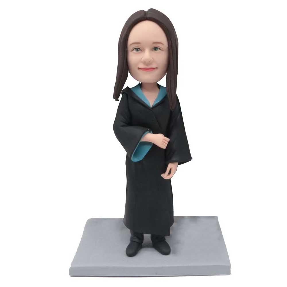 Custom-Tender-Female-Graduation-Bobblehead-In-Black-Gowns