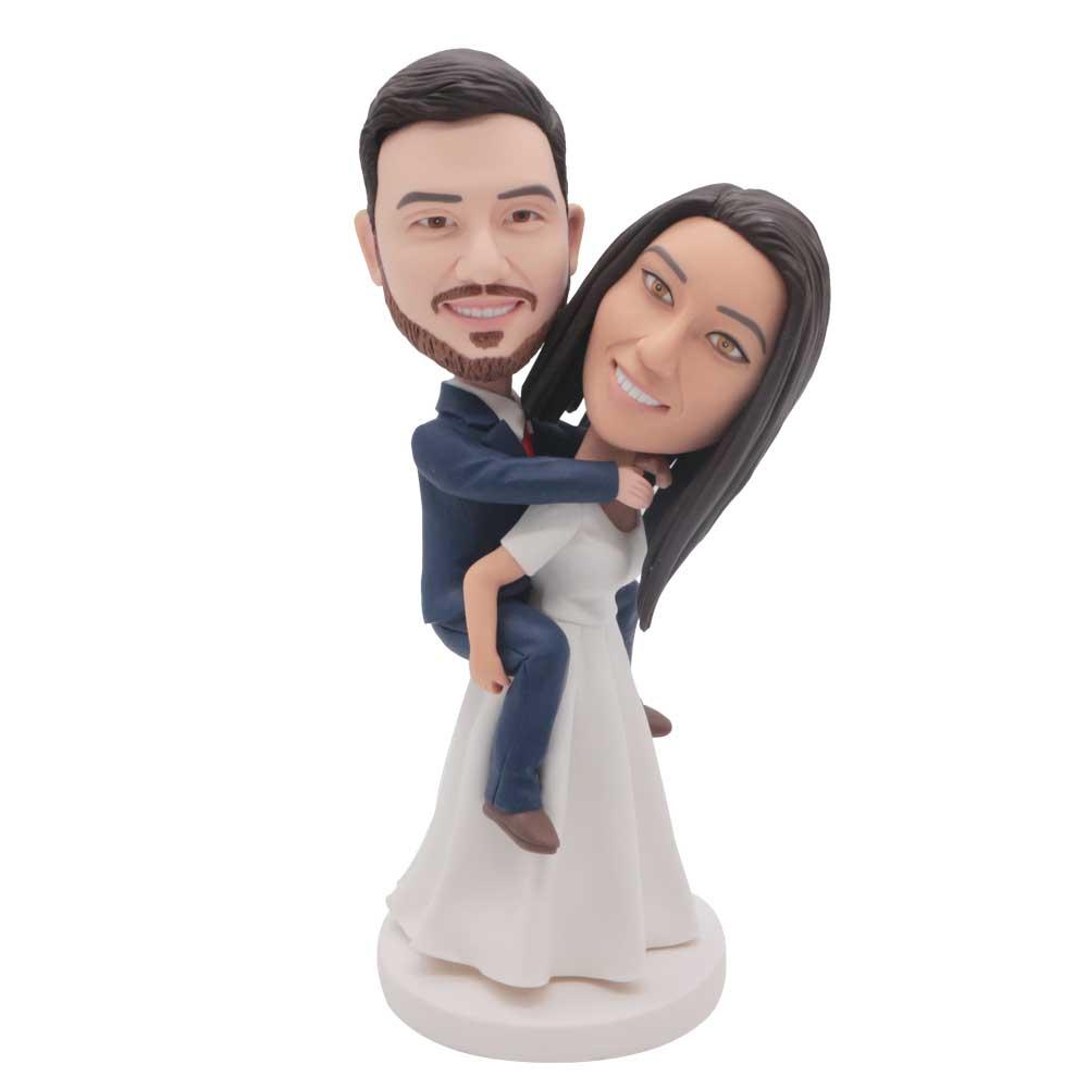 Custom-Wedding-Bobblehead-Funny-Bride-Carrying-Groom-Wedding-Anniversary-Caker-Topper.