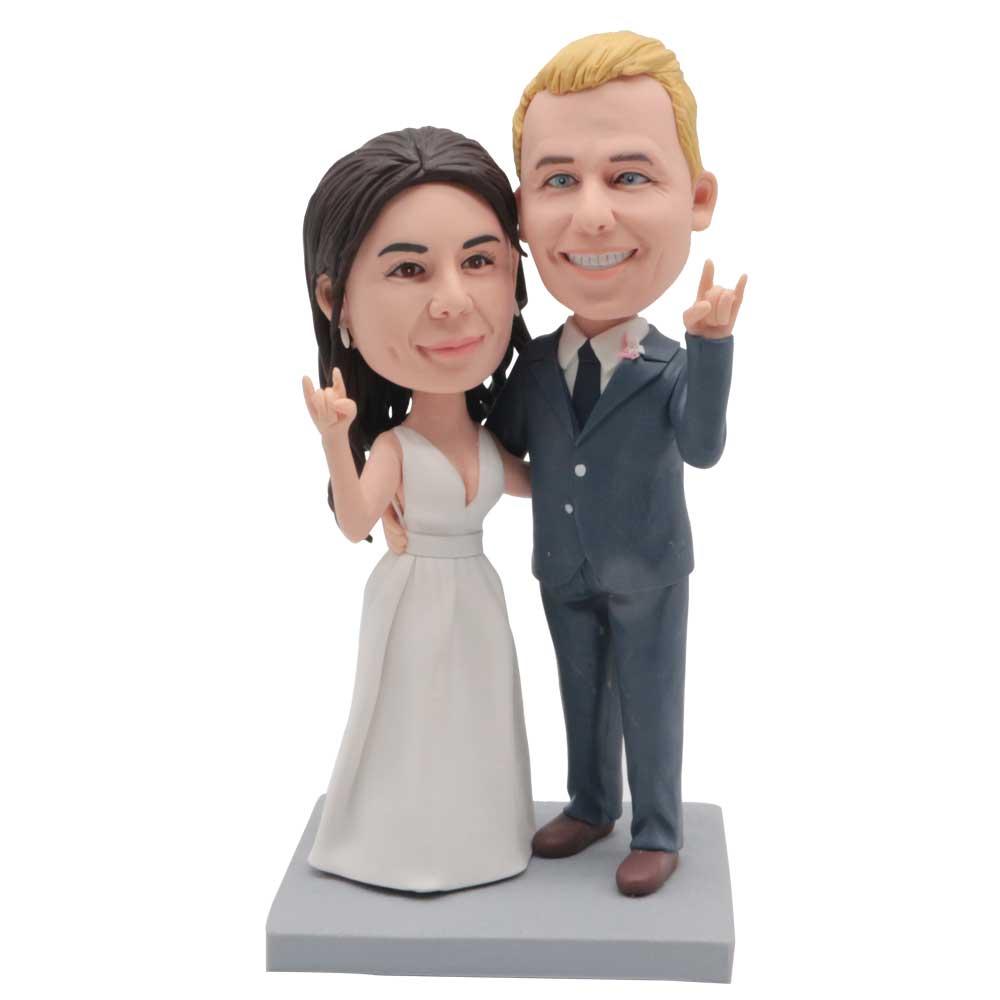 Custom-Wedding-Bobblehead-Making-The-Love-Gesture