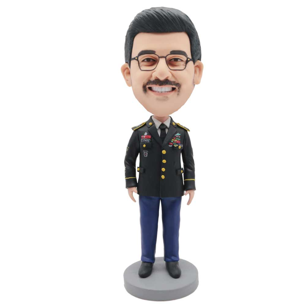 Custom-Handsome-Male-Soldier-Bobblehead-In-Professional-Uniform