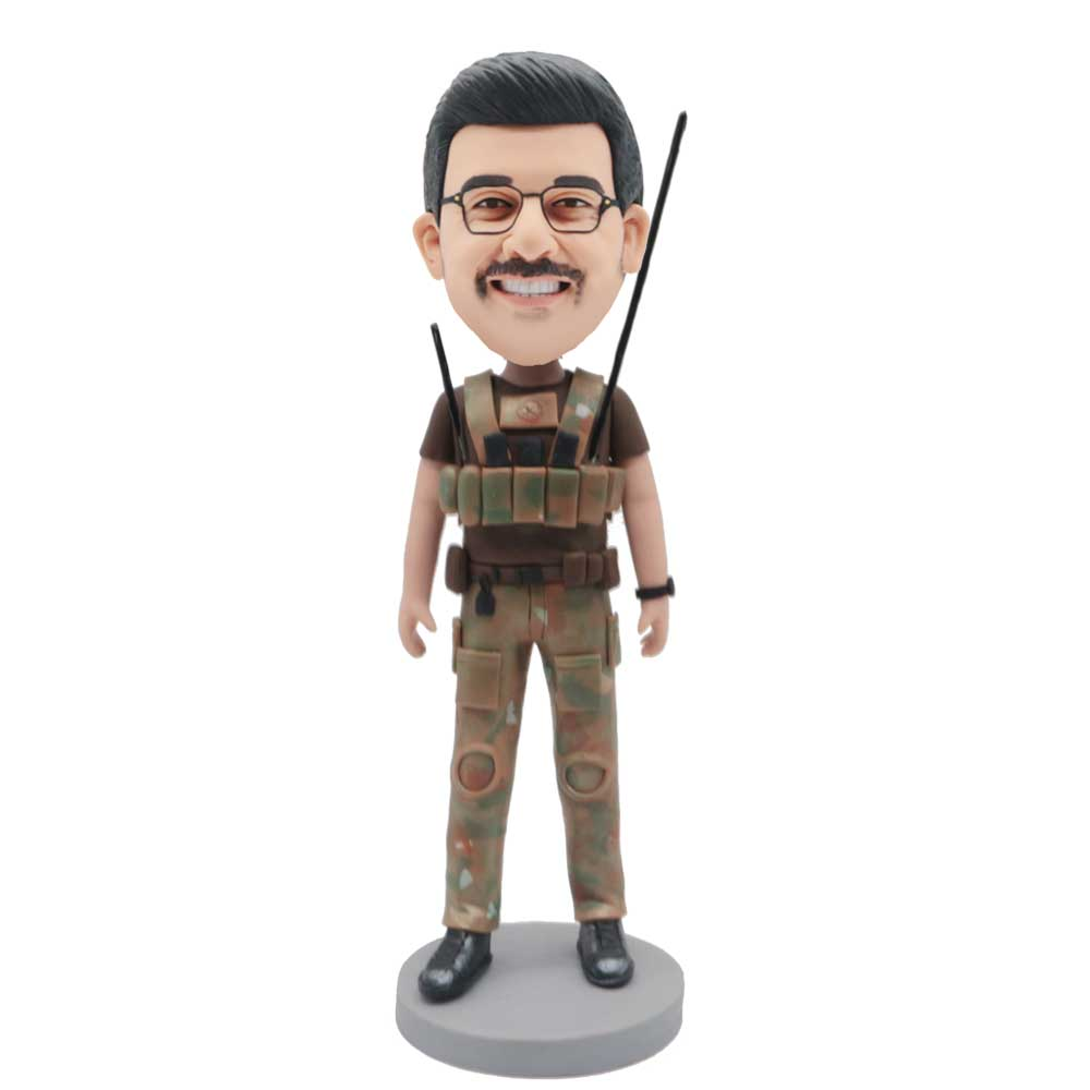 Custom-Male-Soldier-Bobblehead-In-Military-Uniform